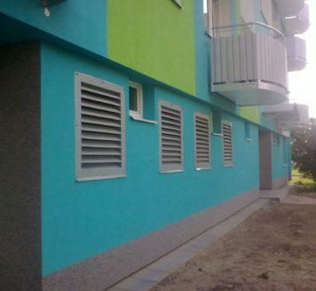 Vytápění panelového domu pomocí 2 tepelných čerpadel vzduch-voda